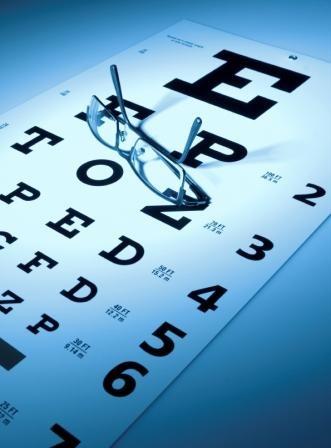 Un Examen Visual periódico es el mejor modo disponible para detectar enfermedades oculares a tiempo; de lo contrario, estas patologías pueden generar problemas en la visión y, posiblemente, incluso ceguera.